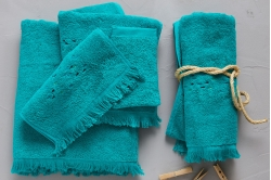 drap de bain brodé BAIA DO SANCHO vert - SYLVIE THIRIEZ