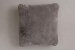 Coussin carré fausse fourrure 45x45 cm ANGORA - SYLVIE...